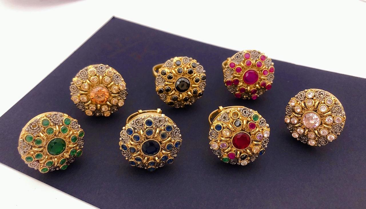 One Carat Gold Rings